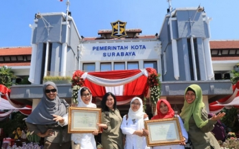 GAIN Indonesia staff awarded for their work in Surabaya