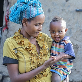 A mother with her child in Ethiopia
